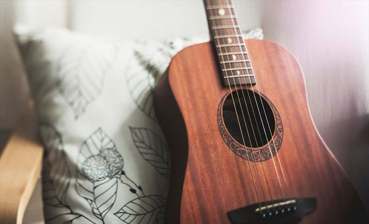 Famous-And-Quality-Acoustic-Guitar-Brands